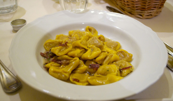tortellini culatello e radicchio